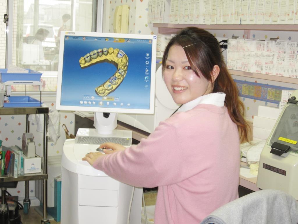 セレックディレクター 歯科技工士 青木 彩さん