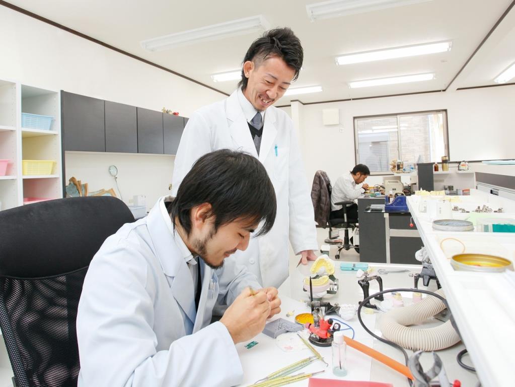 実際の職場で職業体験をしてみたい! 実際に働いている歯科技工士の姿を見てみたい方におススメ